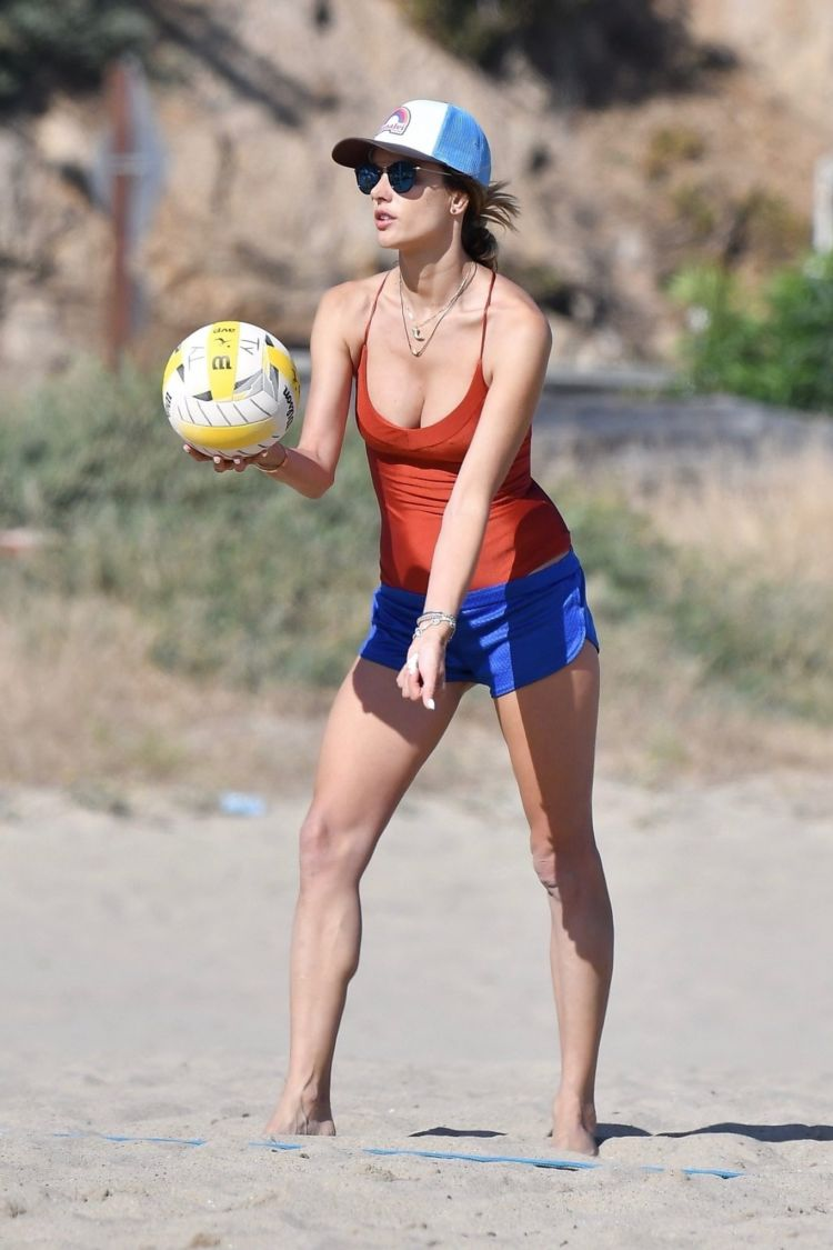 Alessandra Ambrosio Playing Volleyball In Swimsuit At The Beach