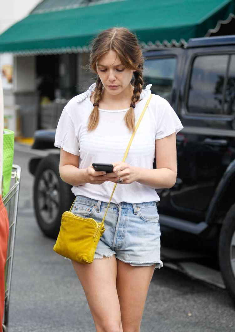 Elizabeth Olsen Shopping Candids At Whole Foods In Los Angeles